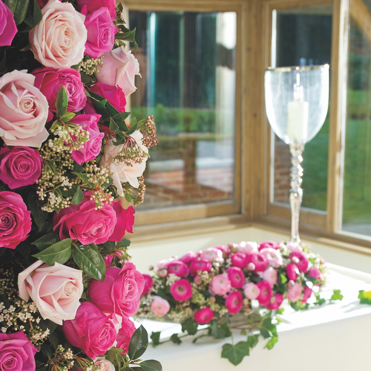 Why brides choose roses for weddings flower magazine roses for weddings izmirmasajfo
