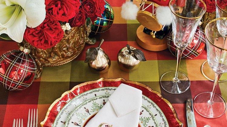 holiday tables, christmas table setting