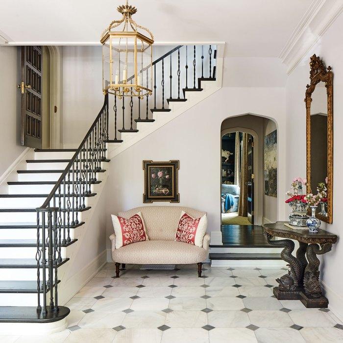 Patty B Driscoll home, foyer