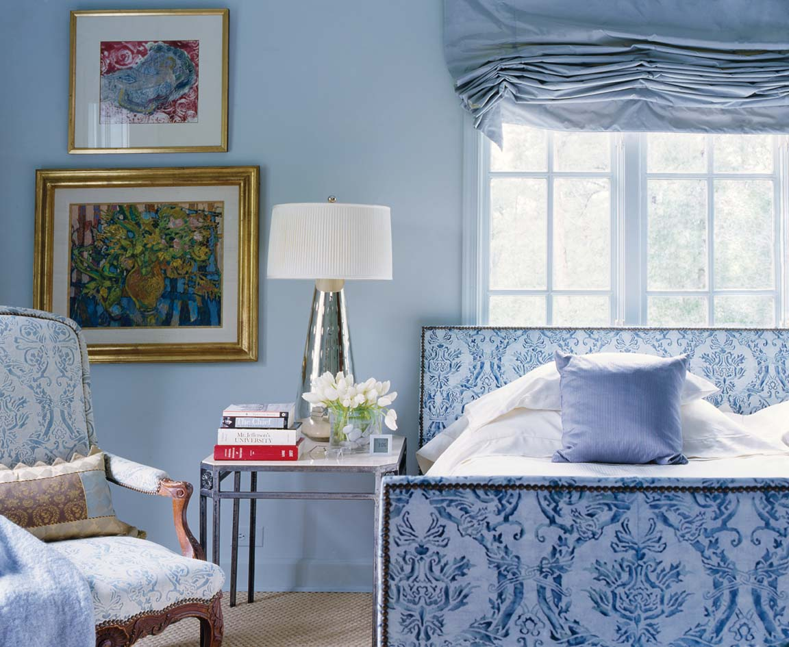 25 Designers Celebrate Blue-and-White Decor - Flower Magazine
