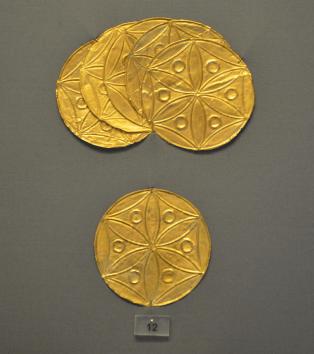 Golden rosettes