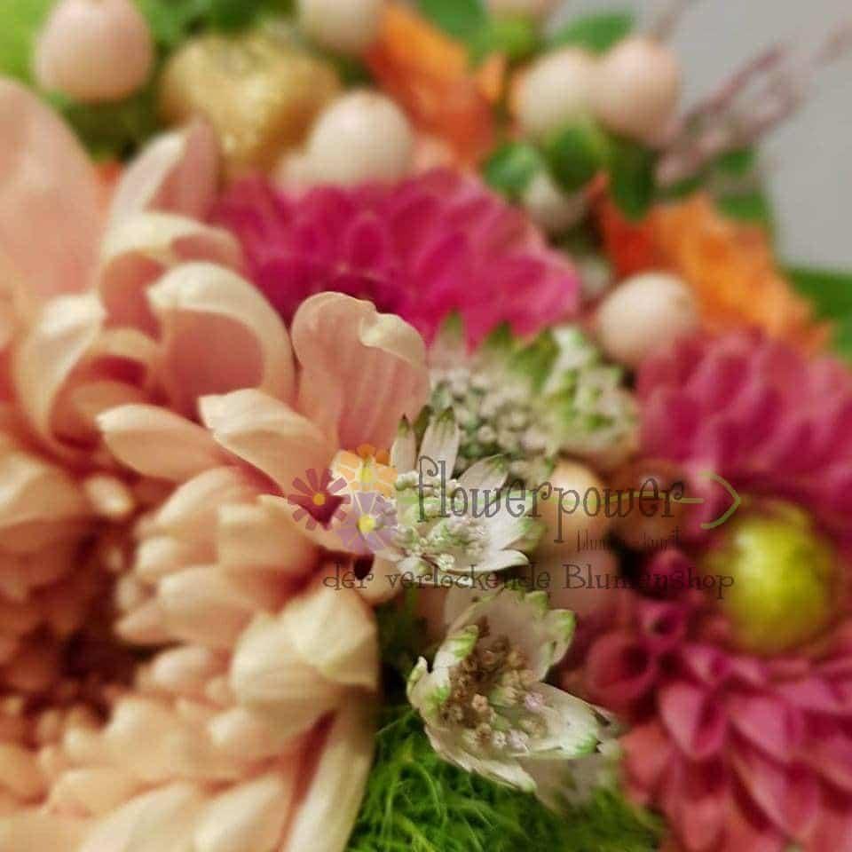 Brautstrauß Dahlien Astrantien
