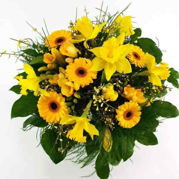 Frühlingsstrauß in gelb