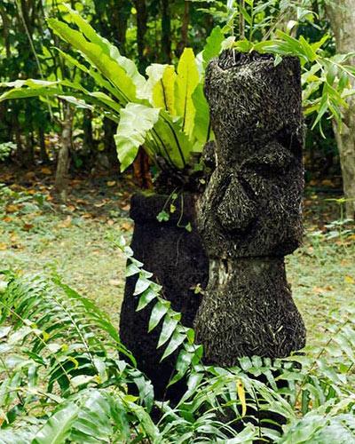 Summit-Garden-moai
