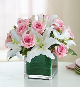 1800Flowers – Rose and Lily Cube Bouquet – Medium
