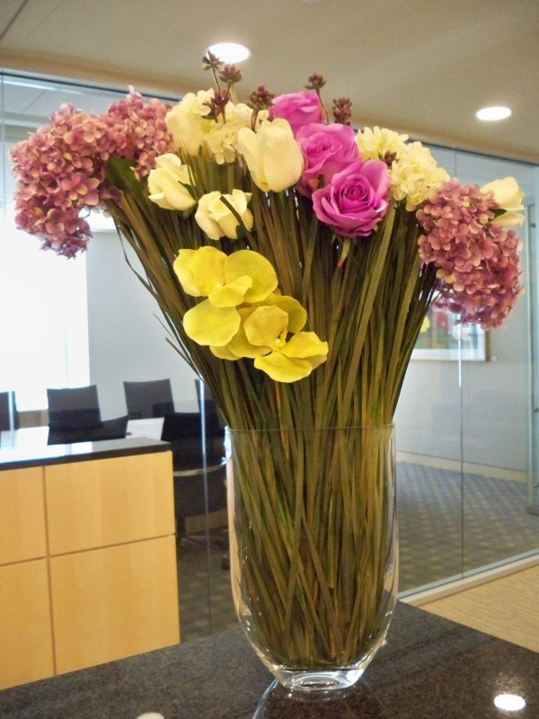 Contemporary Floral Design Arrangements