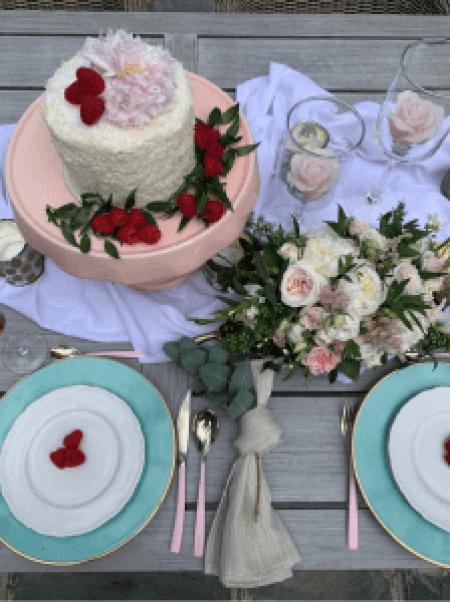 Feminine floral cake