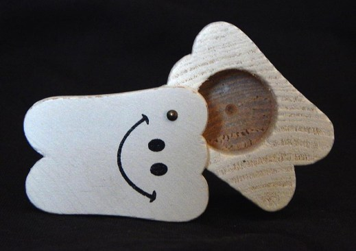 """Holds child's fallen-out baby teeth for the """"tooth fairy"""" to exchange for money.-USA-American-Wood-1 3/4"""" x 1 1/8"""""""