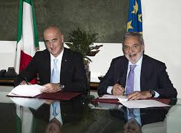 La firma dell accordo tra AID e CNR del giugno 2013