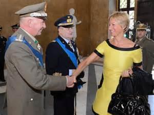 Il S.G. gen. Stefanini con la Ministra Pinotti