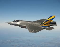 Un caccia F-35 in volo