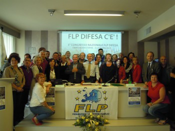 Foto finale con una parte dei delegati