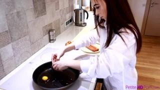 Kahvaltı ve Sex Rus kızı ile bir gün