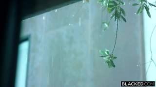 Yağmurlu havada sikişmek gibisi varmı