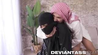 Arap karısını siken piç