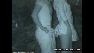 Ormanda gizli çekim sikiş vidyosu