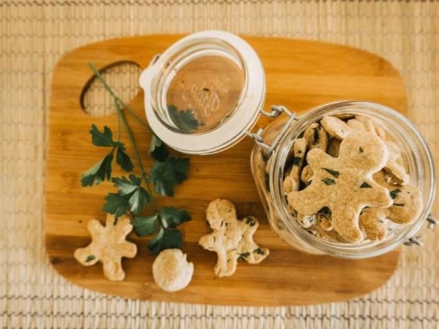 mundgeruch-beim-hund-kekse