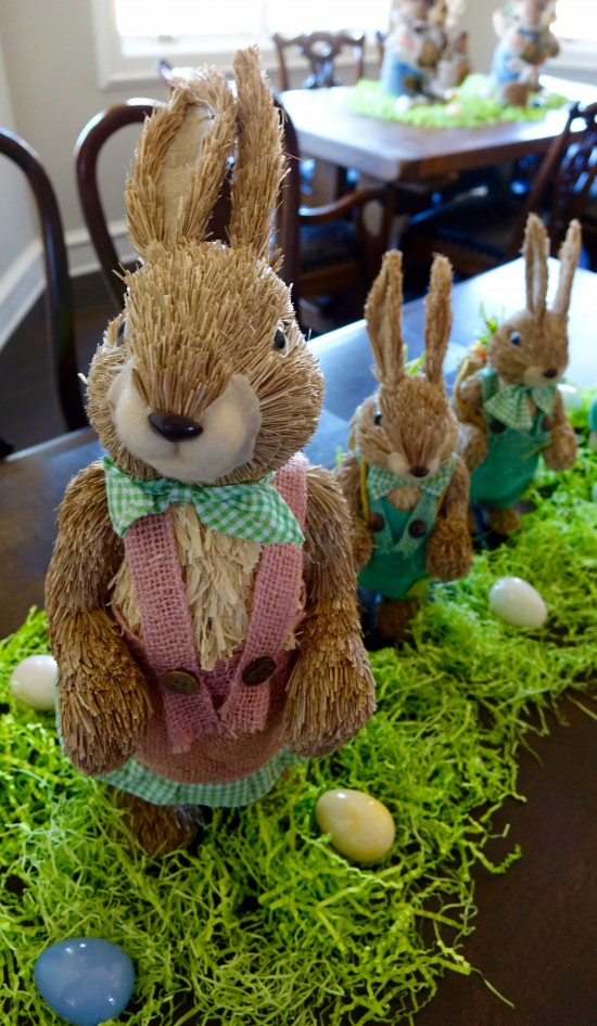 Donna Veale Decorates For Easter!