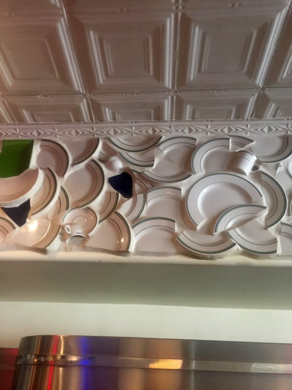 Decorating With Broken Plates ~ Brilliant! - Flunking Family