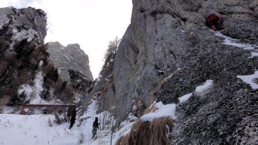 cățăare de iarnă în Țancul Mic, Coștila