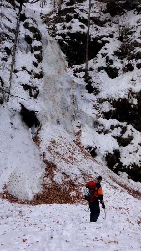 cascada de gheata Valea lui Stan, Fagaras