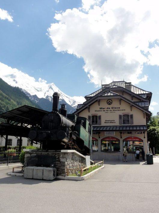 trenuletul spre ghetarul Mer de Glace, Chamonix