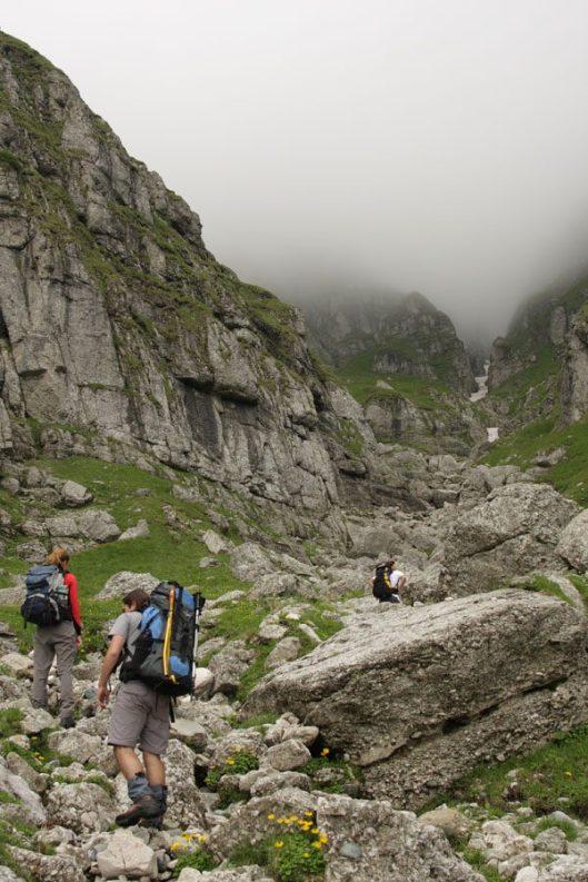 vale de abrupt, muntii carpati