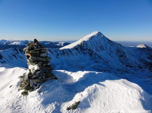 varful Bucura 2 iarna, muntii retezat