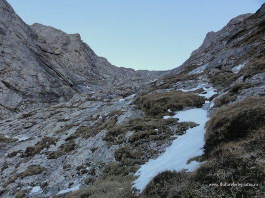 Valea Scorusului, Muntii Bucegi