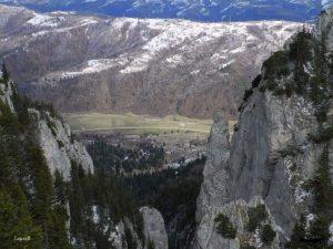 panorama iarna piatra craiului
