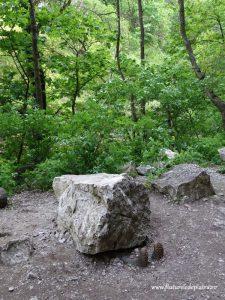 monument haios