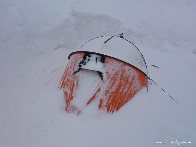 cu cortul pe ghetar alpi
