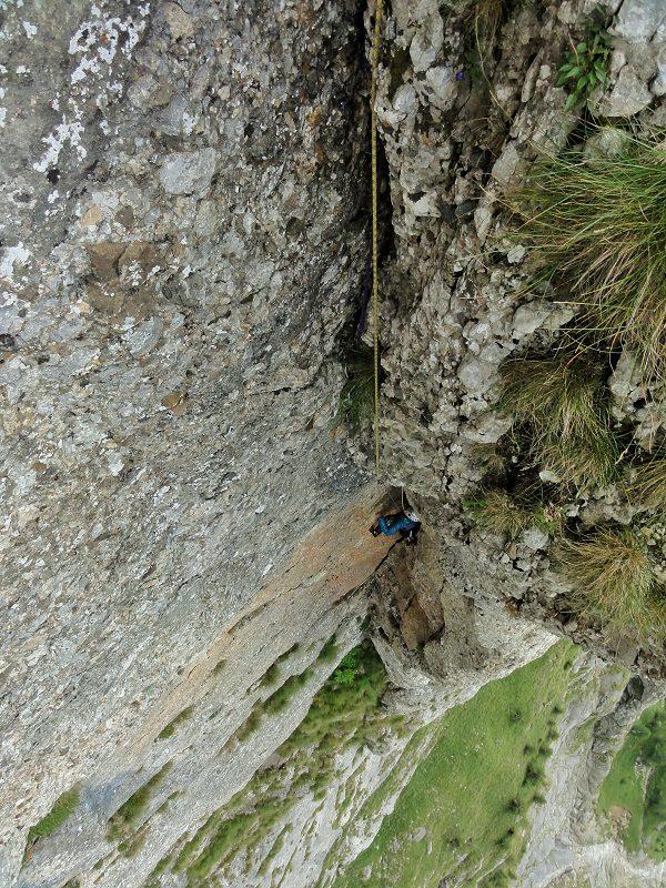traseul diedrul pupezei_peretele vaii albe_alpinism bucegi (7)