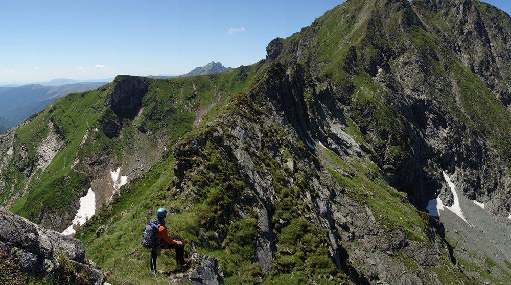 panorama muntii fagaras, creasta vartopel arpasel vara, alpinism romania