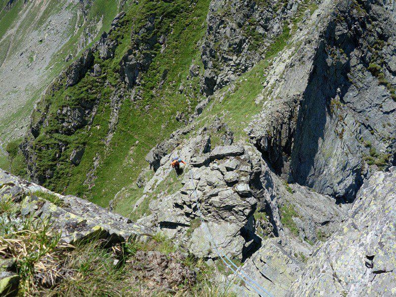 la capătul rapelului 2, Vârtopel Arpăsel, alpinism muntii fagaras