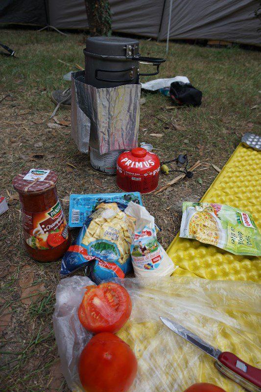 camping si masa in stil montan