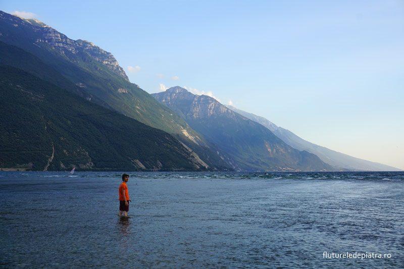 inotat in lacul garda arco nordul italiei