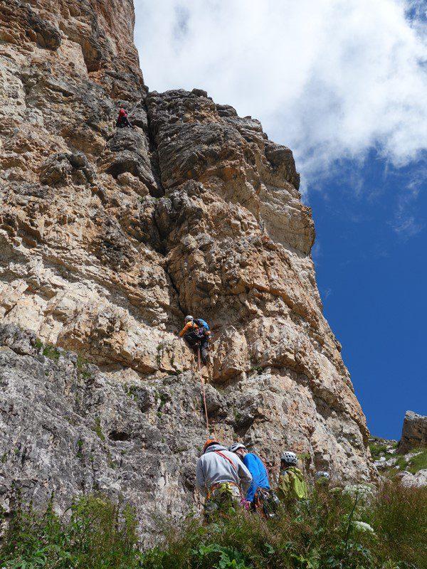 prima lungime din Directa lui Dimai, Cinque Torri, Dolomiti Italia