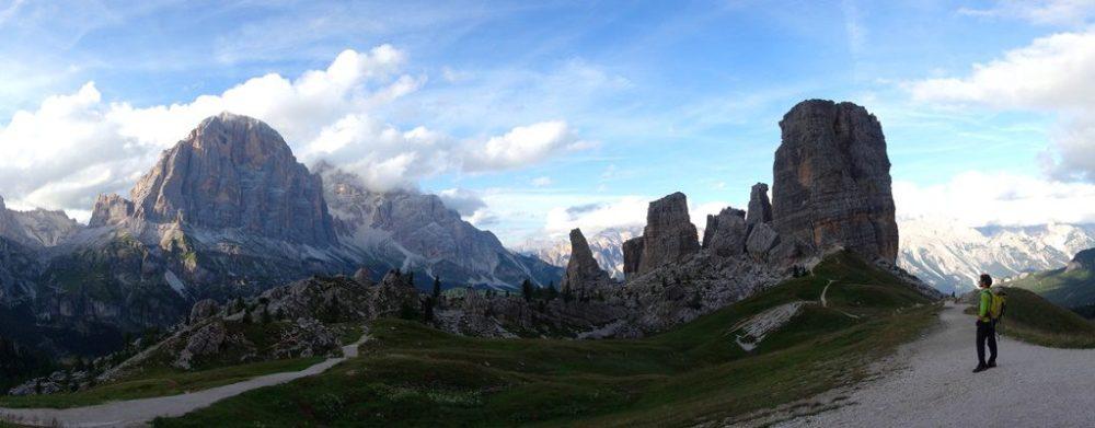 Grupul Cinque Torri si Tofanele, panorama Dolomiti, Italia
