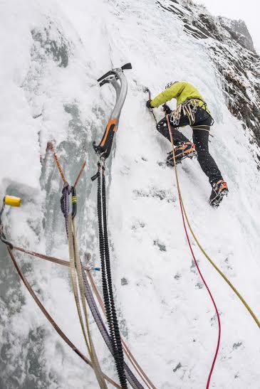 mihnea prundeanu la cățărare pe gheață, interviu ghid montan romania
