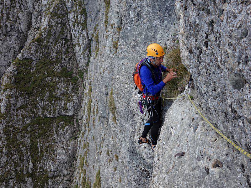 ieșirea din a doua lungime, Traseul Poseidon, alpinism peretele costilei muntii bucegi
