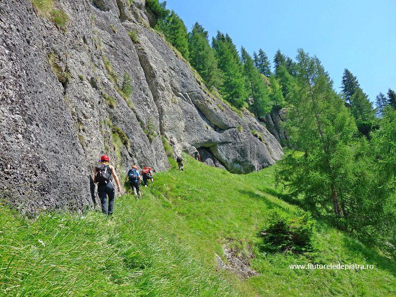 brâul de jos al Morarului, Munții Bucegi, trasee nemarcate