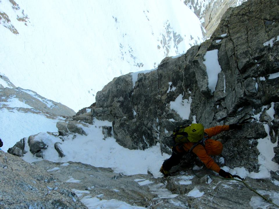mihnea radulescu în fața nordică Grandes Jorasses. Foto: Winter Alps Trilogy 2013