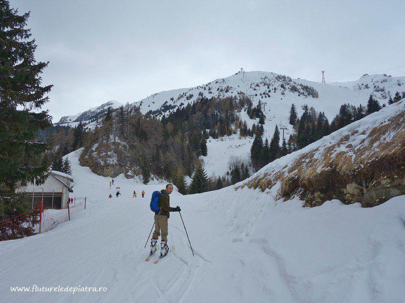 urcare pe pârtia dintre cota 1400 și 2000, Sinaia, ski de tură