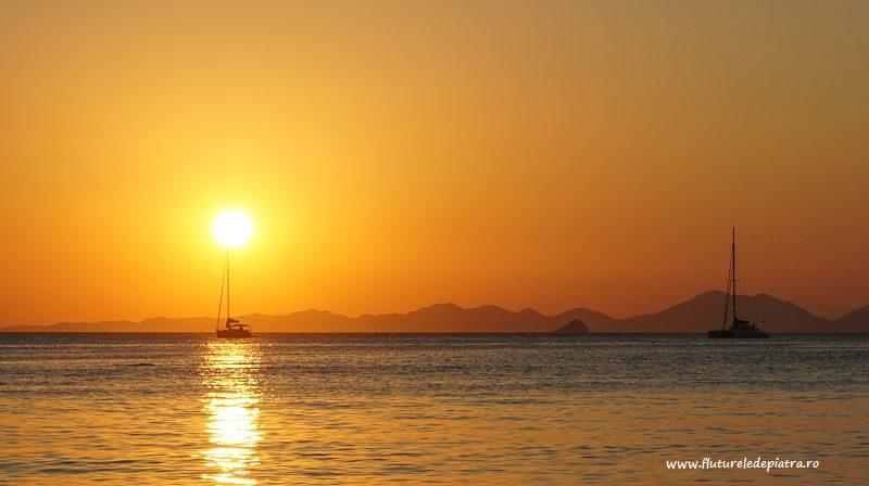 barcă în soare, apus peste Railay, sudul thailandei