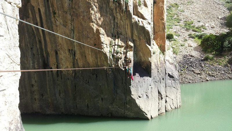 Traversarea râului pe tirolină spre Rayito di Luna, Cerro, el chorro