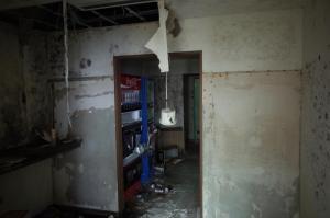 自販機などのエリア、壊されていました