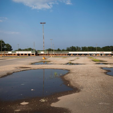 Shopping Center, Jefferson Davis Highway, Virginia, 2011
