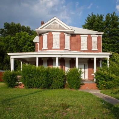 Abandoned Home No. 3, Jefferson Davis Highway, Virginia, 2011