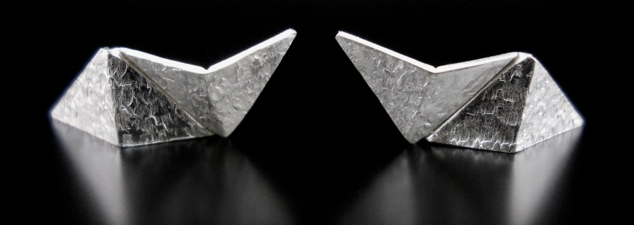 Origami Lightning Studs Silver frontside